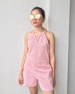 Maaf cuman mau ngetest kacamata doang ✌️  Pict 1 or 2???  Let me know 🥰🥰  . . . . . . . . #clozetteid #ootdinspiration #ootdfashion #looks #outfitinspiration #outfitoftheday #outfits #pinkaesthetic #pink #ootd #glass