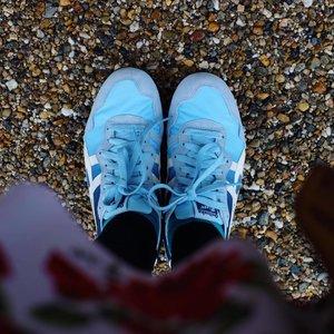 あたらしいくつ. Sepatu baru alhamdulillah~ . . . #travel #traveling #travelgram #instatravel #travelphoto #cKtrip #chikastufftrip #clozetteID #sotd #shoes #fashion #instafashion #tigeronitsuka #japan #cKjapantrip #japan #onitsuka #blueshoes #cKstyle #fashionchika