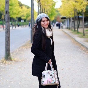 Kangen pake coat. Ke gunung aja apa? . . . #throwback #latepost #travel #traveling #travelgram #instatravel #travelphoto #cKtrip #chikastufftrip #cKjapantrip #japantrip #japan #osaka #autumninjapan #clozetteID