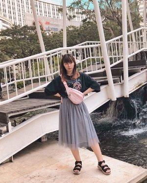 Ngajak berantem banget mukanya 😔 Kalau lagi pake outfit monochrome/ 1 tone kaya gini, aku suka pake sesuatu yang warnanya pop gitu biar kontras 🤓 #japobsOOTD . . . #clozetteid #fashionbloggers #ootdbloggers #styleinspo #outfitinspo #outfitinspiration #koreanstyles #bloggerperempuan #kfashion #asiangirls #coordinate #wearjp #패션 #패션스타그램 #오오티디 #오오티디룩 #스트릿패션 #패션스타일 #今日の服 #今日のコーデ #コーデ #ファッション