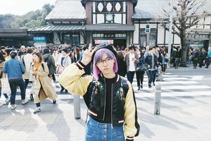 Another #japan pic: in front of (cropped) Harajuku Station 💓 My friend helped me taking the pic and his hobby is cropping any objects behind me 😅 . . . #clozetteid #harajukustation #harajuku #japanloverme #travelbloggers #travelblog #tokyo #japantravel #explorejapan #exploretokyo #BigDreamerInJapan #wanderlust #exploretheglobe #theglobewanderer #ggrep #abmtravelbug #solotravel #旅行 #原宿 #ファション #여행 #여행스타그램 #�쿄여행 #�본여행