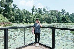 Should I write about travel first tonight? Or outfit post first? 🤔🤔 . . . #clozetteid #travelbloggers #travelwriter #fashionbloggers #fbloggers #lifestylebloggers #solotraveler #abmtravelbug #femaletravelers #explorebogor #ggrep #indonesianfemalebloggers #exploreindonesia #旅行ブロガー #旅行 #여행 #여행스타그램 #여행블로거