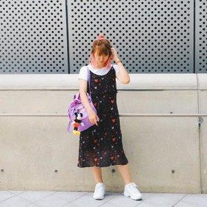 Long dress, sneakers, and messy half-bun ✌🏻 #japobsOOTD . . . #clozetteid #fashionblogger #outfitoftheday #styleinspo #styleinspiration #ootd #ootdindo #lookbookindonesia #lookbook #wearjp #ootd4nylonjp #streetstyle #dongdaemundesignplaza #filadisruptor2 #kfashion #패션 #오오티디 #스트릿패션 #今日の服 #今日のコーデ #コーデ