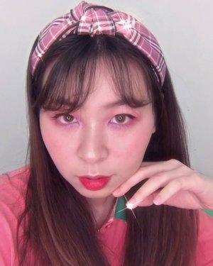 Edit instan, new #japobsMOTD video! Salah satu eye makeup yg aku suka banget, padahal lagi semangat cobain berbagai eye makeup, tapi lagi ada deadline 😔 Btw, suka banget sama mascara @naturerepublic.id bikin bulu mataku keliatan, apalagi yang bawah ((aku pecinta bulu mata bawah keliatan bgt)) 🥺Deets:@moonshot_idn cushion@peripera_official concealer@colourpopcosmetics Eyeshadow@naturerepublic.id mascara@etudeofficial blush@eminacosmetics blush & glossy stain@maybelline tattoo eyeliner...#clozetteid #beautybloggers #indobeautygram #indobeautysquad #indobeauty #makeuptutorial #eyemakeup #colourpopme #asianmakeup #pinkrabbitlens #eminaglossystain #tampilcantik #tutorialmakeup #뷰티 #뷰티스타그램 #화장 #화장품 #メイク #コスメ
