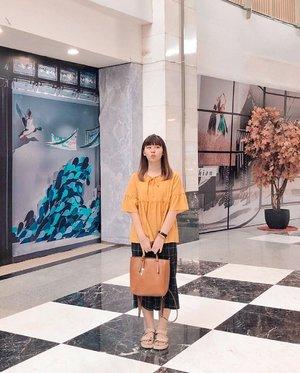 "Outfit ketemu Siwon (?) Akhirnya pake ""baju lainnya"" kemaren karna males nyetrika kaos 🤣 Siapa ya yang pergi sama aku tapi ga aku mintain foto? Kayanya ga ada :p #japobsOOTD . . . #clozetteid #outfitinspiration #styleinspo #ootdindo #lookbookindonesia #ootdindokece #fashionbloggers #bloggerperempuan #ootdbloggers #casualoutfit #bajusantai #패션 #패션스타일 #패션스타그램 #스트릿패션 #패션룩 #今日の服 #今日のコーデ #コーデ #ファッション #wearjp"