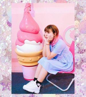 Kupikir ini weekend 🙂 . . . #clozetteid #BigDreamerInKorea #icecreammuseum #travelblogger #ggrep #lifestyleblogger #pink #pinkhair #ootd #fashionblogger #bloggerperempuan #filakorea #disruptor2 #コーデ #今日のコーデ #패션스타그램 #여행 #여행스타그램 #아이스크림 #旅行