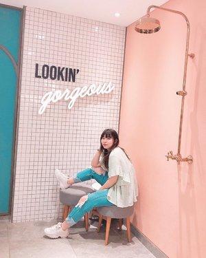 Am I? 🥺 #japobsOOTD . . . #clozetteid #fashionbloggers #ootdbloggers #styleinspo #outfitinspo #outfitinspiration #koreanstyles #lookbookindonesia #bloggerperempuan #kfashion #cgvgrandindonesia #grandindonesia #asiangirls #coordinate #wearjp #패션 #패션스타그램 #오오티디 #오오티디룩 #스트릿패션 #패션스타일 #今日の服 #今日のコーデ #コーデ #ファッション