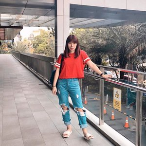 Ada yang nawarin fotoin walau nggak ditodong 🤣🤣 #japobsootd . . . #clozetteid #fashionbloggers #stylebloggers #ootdbloggers #ootdindo #outfitinspo #styleinspirations #styleinspo #ootdindokece #lookbookindonesia #コーデ #ファッション #今日の服 #今日のコーデ #コーデまとめ #wearjp #패션 #오오티디 #오오티디룩 #스트릿패션 #패션스타그램 #패션룩