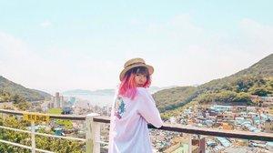 おはよう!...#clozetteid #BigDreamerInKorea #travelblogger #pinkhair #fashionblogger #koreatravel #busan #explorebusan #gamcheon #gamcheonculturevillage #ktoid #ggrep #japobswander #여행에미치다 #여행스타그램 #부산 #부산여행 #旅行 #감천 #감천문화마을 #traveling #wanderlust #femmetravel #girlsaroundtheworld #damestravel #bloggerperempuan #indonesiantraveler