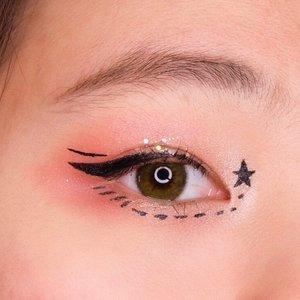 Sebuah keisengan 😅😅 Ternyata susah juga gambar di muka sendiri 🤔 Nyobain softlens baru dari @pinkrabbitlens 💸 #japobsMOTD  P.S. W GABISA GAMBAR ALIS . . . #clozetteid #eyemakeup #eyeshadow #beautybloggers #beautyblogs #artmakeup #bloggerperempuan #indobeautysquad #makeupmata #eotd #eyesmakeup #makeuptutorial #tampilcantik #뷰티 #뷰티스타그램 #뷰티그램 #뷰티블로거 メイク #コスメ