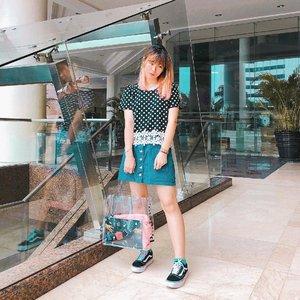 Happy Sunday! 🤩 #japobsOOTD . . . #clozetteid #fashionblogger #styleinspo #ootdindo #lookbookindonesia #ootdindokece #styleinspiration #outfitoftheday #cgstreetstyle #ggrepstyle #vansgirls #casualoutfit #bloggerstyle #ootdbloggers #今日の服 #今日のコーデ #コーデ #패션 #오오티디 #스트릿패션 #패션스타그램