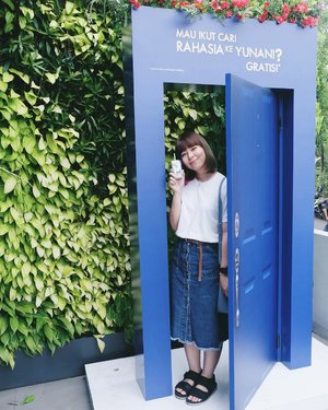 """Earlier today: attending @heavenlyblushyogurt x @cchannel_id #GreekSecretGathering 😋 FYI, Heavenly Blush is my favorite yogurt brand and I've tried almost all of their products 🤗 They just launched new campaign to introduce the first greek yogurt in Indonesia #HeavenlyBlushGreekYogurt and invite you to find the """"Greek Secret to Staying Full Longer"""". Greek is known for their healthy lifestyle and diet- which is using greek yogurt as one of the main ingredients. And guess what, you get a chance to visit Santorini for FREE!!! (Hey, it's one of my dream place to unlock tho) For more info please visit their website www.heavenlyblush.com 🍒...#clozetteid #fashionblogger #lifestyleblogger #heavenlyblush #santorini"""
