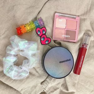 Some of cute accessories and makeup I use these days ✨ . . . #clozetteid #beautybloggers #ootdbloggers #flatlay #moonshotindonesia #moonshotcushion #romandglastingwatertint #peripera #periperainkpocketshadow #beautystuff #aesthetic #koreanaesthetic #koreanaesthetics #koreanbeauty #롬앤 #페리페라 #문샷 #문샷쿠션