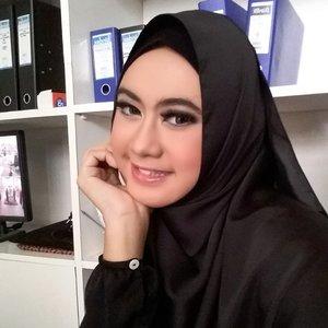 #ClozetteID #Clozettedaily #KhalisaLipCare #GoDiscover #ShowYourSincereSmile #hijablook #hijabworld