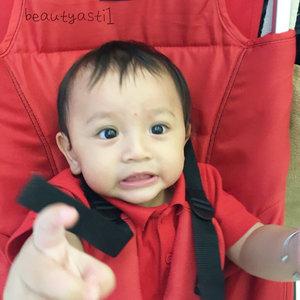 "Baby Lim : ""My precious~ "" . . . Happy Birthday Baby Lim 🎉🎂🍫🍰🍪🍼🍩 MERDEKA!! 🇲🇨 . . . #merdeka #RI #indonesia #babylim #clozetteid #17agustus #17agustus2017 #baby #bayi #12monthsold #cutebaby #babyboy #merahputih #1yearold #red #white"
