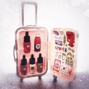 Aku kalau ada makeup yang packaging nya lucu lucu bin imut pengen nya di koleksi ga dipake.. Kalian gitu juga ga? Btw ini koper cute nya peripera, isinya ada 5 produk best selling nya peripera. Yang kepo sama detil nya bisa cek video nya di youtube channel beautyasti1 ya🌍...Beli di @altheakorea Harga -/+ 300K..#peripera #clozetteid #althea #altheakorea #altheaangel #altheaangels #liptint #suitcase #koper
