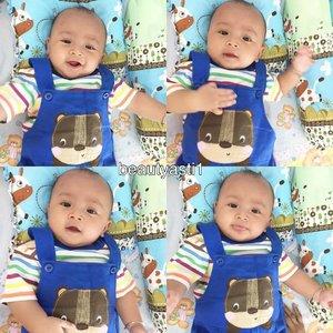 ❣ Hari ini Baby Lim mulai MPASI. Menu Kabocha dan siang nya Banana.. Happy 6 Bulanan sayang ku~ 😘 . . Happy mom, Happy baby~ .. #justbaby #baby #babies #newborn #instababy #kids  #happy #smile  #bebe #babyboy #boy #cutebaby #cute  #mrsmiley  #mybaby #handsome  #mommy  #happybaby #iphone6plus #mommylim #babylim  #babysitting  #bayi  #handsome #clozetteid #blue #cuteboy