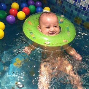 Baby Lim lagi treatment Baby Happy di @momnjo .. Selengkap nya di Insta Story aku ya 😘❣ . .  Happy mom, Happy baby~ .. #justbaby #baby #babies #newborn #instababy #kids  #happy #smile  #bebe #babyboy #boy #cutebaby #cute  #mrsmiley  #mybaby #handsome  #mommy  #happybaby #iphone6plus #mommylim #babylim  #babysitting  #bayi  #handsome #clozetteid #cuteboy  #funnybaby #momnjo #babyspa #happybaby