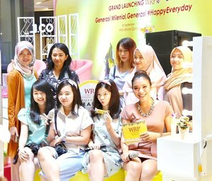 #Throwback last Sunday's event: Grand Launching WRP Everyday FruitBar #HappyEveryday  We enjoyed this event so much! 😊 Thanks for having me @wrpeveryday 😘 . . . . . #NgemilFruitBareng #WRP #latepost #clozetteID #ClozetteDaily  #JakartaBeautyBlogger