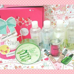 UNBOXING Althea Korea Haul I got: ❤Healing Tea Garden White Tea, Tea Tree,and Green Tea (2) . ❤ Nature Republic Aloe Soothing Gel . ❤Too Cool For School Marshmallow Puff . ❤ The SAEM Cover Perfection Tip Concealer (2) . ❤Innisfree Greentea Seed Serum Sample, DIY Party Kit . #Review #comingsoon on #MeisUniqueBlog Can't wait to try them! Thanks @altheakorea 😍 . . . . . #bblog #bblogger #clozetteid #clozettedaily #indonesianblogger