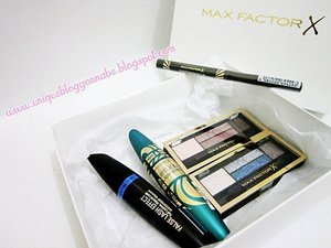 Thanks @maxfactorindonesia for these holy grail products!  I got: FLE Voluptuous Waterproof Mascara, FLE Full Lashes, Natural Look, Smokey Eye Drama Kit & Masterpiece Liquid eyeliner#voluptuousfalselasheffect #mascara #review #comingsoon on #MeisUniqueBlog#bloggers #box #hampers #instagood #instapic #download  #hawaku #clozetteid #clozettedaily #yourultimatebestie #bblog#openyoureyes #dollylook #maxfactorIndonesia  #makeglamourhappen