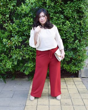 Super comfy kulot pants from @deadly_gorgeous for the early stage of my pregnancy. Super love! � • • • #ootd #potd #ootdindo #lookbookindonesia #lookbookindo #indonesian_blogger #indonesiancurvyblogger #chictopiastyle #looksootd #ootdholic #outfithariini #ootdjourney #clozetteid #clozetter #COTW #instalike #instagood #fashion #blogger #fashionblogger #fblogger #fashiondiary #dyantara #dyantarastyle #aiachanfashionjournal #endorsement #endorse #sponsorship