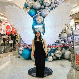 Become an angel on Christmas? 👼🏻 | Checked ☑️ • • • #christmas #angel #angelswings #christmas2016 #merrychristmas #neosoho #neosohomall #neosohomalljakarta #visitjakarta #jakartalife #potd #indonesian_blogger #indonesiancurvyblogger #clozetteid #inspiration #instalike #instagood #fashion #blogger #fashionblogger #fblogger #fashiondiary #instafashion #beauty #beautyblogger #bblogger #indonesianblogger #instabeauty #aiachantraveljournal #aiachanbts