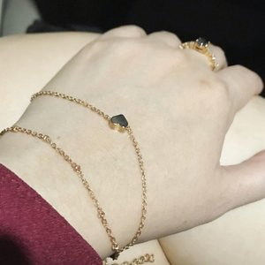 여기 내 손을 잡아 저 미래로 달아나자~ • • • • • #newbracelet #bracelet #heart #heartbracelet #accessories #gold #goldaccessories #fashionbracelet #fashionaccessories #indonesian_blogger #clozetteid #clozetter #inspiration #instalike #instagood #fashion #blogger #fashionblogger #fblogger #fashiondiary #beauty #beautyblogger #bblogger #beautiesID #indobeautygram #beautybloggerID #indonesianblogger #potd #shoppinghaul #onlineshopping