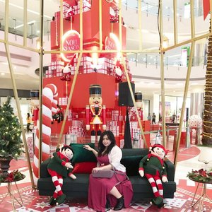 A Christmas Postcard this year ❤️🎄⛄️🎅🏼🧝🏼•••••#christmas #celebration #christmastree #giantchristmastree #christmas2020 #merrychristmas #christmascelebration #festiveseason #centralparkmall #centralpark #christmasseason #holidayseason #potd #indonesian_blogger #clozetteid #inspiration #instalike #instagood #fashion #blogger #fashionblogger #fblogger #fashiondiary #instafashion #beauty #beautyblogger #bblogger #indonesianblogger #instabeauty #aiachantraveljournal