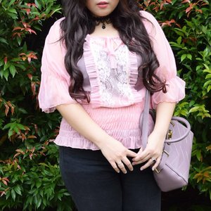 Have you check my blog for this look yet? Tap for details! 🌸 • • • #ootd #potd #lookbook #ootdindo #lookbookindonesia #lookbookindo #indonesian_blogger #indonesiancurvyblogger #chictopiastyle #looksootd #ootdholic #outfithariini #ootdjourney #clozetteid #clozetter #COTW #dandansenin #instalike #spring #outfit #inspiration #springootd #fashion #blogger #fashionblogger #fblogger #fashiondiary #dyantara #dyantarastyle #aiachanfashionjournal