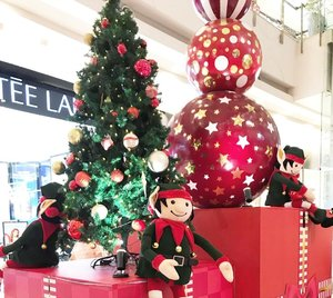 Christmas with snowmen & elves this year 🎄⛄️🧝🏼•••••#christmas #celebration #christmastree #giantchristmastree #christmas2020 #merrychristmas #christmascelebration #festiveseason #centralparkmall #centralpark #christmasseason #holidayseason #potd #indonesian_blogger #clozetteid #inspiration #instalike #instagood #fashion #blogger #fashionblogger #fblogger #fashiondiary #instafashion #beauty #beautyblogger #bblogger #indonesianblogger #instabeauty #aiachantraveljournal
