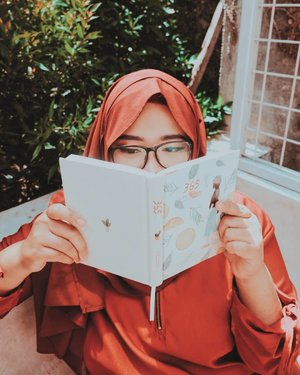 """Before, I read """"365"""" as the total amount of days in a year. But now, I read that and there's a voice in my head asking, """"Are you lost, baby girl?""""-Damn I hate my mind."""