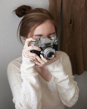 Got myself a camera covered my face 🙈......#tumblr #ulzzang #instadaily #fashioblogger #fashionaddict #fashionblog #fashiondiaries #fashiongram #fashionpost #fashionstyle #instastyle #beauty #look #beautyshoot #lookoftheday #portraiture #clozetteid #streetwear #style #styleblogger #stylish #trendy #beautybloggers