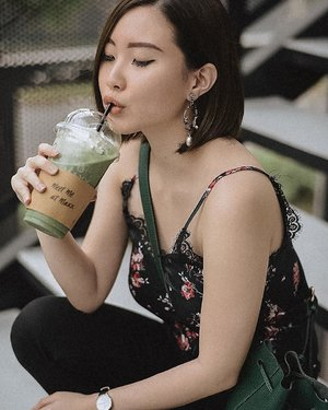 Cheers to the weekend 🍻 Another color coordinated happen sampe minuman segala 😆 Earring by @cora.collective.....#ootd #fashion #style #love #like #instagood #fashionblogger #follow #outfit #photography #instafashion #photooftheday #outfitoftheday #streetstyle #picoftheday #instagram #selfie #beauty #makeup #clozetteid