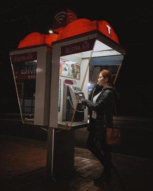 Mengutip salah satu adegan drama Korea yang baru aja w bintangi 😂 #haluness Btw ini jam 23:23 tapi tetep dapet foto bagus ya, ga ngerti lagiii @samseite 😭.......#nightshooters #winteroutfitideas #australia_shotz #sydneyaustralia #sydney🇦🇺 #sydney_insta #clozetteid #triptoaustralia #exploreaustralia #exploresydney