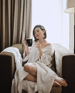 I orchestrate my mornings to the tune of coffee - 📸 @samseite......#clozetteid #ootd #fotd #faceoftheday #coffee