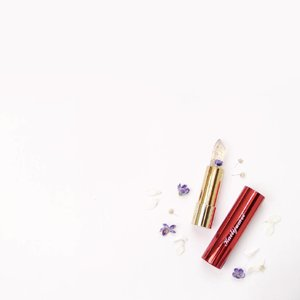 Every girl loves flowers and every girl need lipstick. What if both are combined? @kailijumei @kailijumei.id Still working on a draft for review that'll be published in this month. Keep update! . . . . . #POTD #Photooftheday #pictureoftheday #flatlay #photograph #flatlays #artgallery #whywhiteworks #lifestyle #lifestyleblogger #photography #fotografia #photographer #selfie #photographers #photographie #lifestyleblogger #fotografie #blogger #makeup #clozetteid #girl #likesforlikes #beauty #photo #white #onthetable