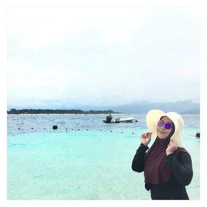 👒👓🌊🌊🌅 NB: bingung bikin caption 😂  #ErnysJournalTravel  #Travel #ClozetteID #clozette