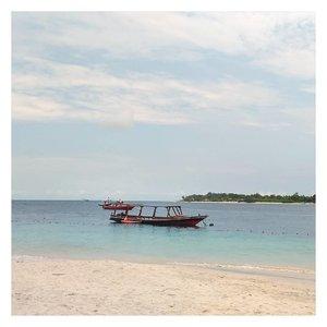 Clear sky, clear beach, and sunny day 😍  #beach #instabeach  #ErnysJournalTravel  #Clozetteid #clozette #travel