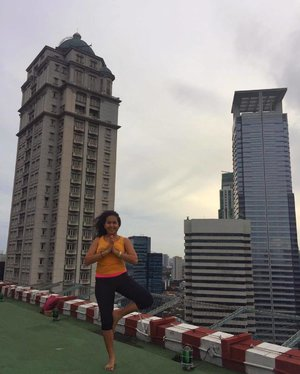 Wishful thinking 💭💭 Da Vinci tower at my back 😍😍 • • • • • #Yoga #Yogi #YogaGirl #Asana #YogaEveryDamnDay #YogaLove #YogaLife #Yogini #YogaInspiration #YogaDaily #YogaLover #YogaAddict #YogaFun #YogaFlow #YogaHolic #YogaPhotography #YogaVibes #LifeWellTravelled #Travel #Snapseed #Jakarta #Smile #Happy #Fun #Love #igdaily #DarlingEscapes #Sunday #clozetteid #UploadKompakan