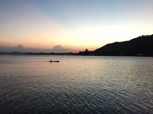 Istirahatkan sejenak jiwamu dari kesibukan duniamu... KH Hasyim Musadi • • • • • • #picoftheday #wanderlust #sun #beautiful #snapseed #panorama #yolo #instagood #seetheworld #goodvibes #carpediem #passionpassport #vacation #landscape #photography #explore #lifewelltraveled #bbctravel #paradise #outdoor #fun #adventure #travel #uploadkompakan #globetrotter #summerneverends #uploadkompakan #clozetteid #danausentani #jayapura