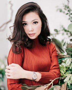 Makeup for @desinatalia  Makeup by @shelleymuc @shelleyssebastian HairDo by @hair.rita Captured by @state_photography Decor @steve_decor  #makeup #beauty #shelleymuc #surabaya #makeupartist #mua #shelleymakeupcreation #beforeafter #clozetteID #makeover #muasurabaya #muaindonesia #hairdo #soft #softmakeup #beautifulgirl  #makeupartistsurabaya #surabayamakeupartist #correctivemakeup #monolid #monolidmakeup