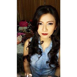 #latepost Makeup and HairDo for beautiful @tansiliaMakeup and HairDo by @shelleymuc #makeup #makeover #beauty #shelleymuc #surabaya #makeupartist #mua #shelleymakeupcreation #beforeafter #clozetteID #makeover #muasurabaya #muaindonesia #hairdo #limecrime #velvetines #limecrimevelvetines #wicked #InstaSize