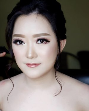 Engagement Makeup for Sheila and Ferry  Makeup by @shelleymuc @shelleyssebastian HairDo by @tiara_hairdo Lashes @artisanpro Ringlight @cathiestuff.id  #makeup #beauty #shelleymuc #surabaya #makeupartist #mua #shelleymakeupcreation #beforeafter #clozetteID #makeover #muasurabaya #muaindonesia #hairdo #soft #softmakeup #beautifulgirl #softsmokey #glammakeup #glamourmakeup #makeupartistsurabaya #surabayamakeupartist #correctivemakeup #monolid #monolidmakeup #engagementmakeup #bridalmakeup #weddingmakeup