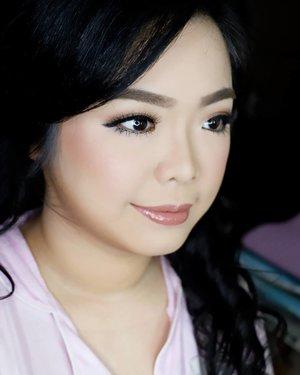 Soft Makeup for @monicasera  photoshoot  Makeup by @shelleymuc @shelleyssebastian HairDo by @co2m_beautystylish Ringlight @cathiestuff.id Upper lashes @flaire.official Lower lashes @madame_lashes  #makeup #beauty #shelleymuc #surabaya #makeupartist #mua #shelleymakeupcreation #beforeafter #clozetteID #makeover #muasurabaya #muaindonesia #hairdo #soft #softmakeup #beautifulgirl #softsmokey #glammakeup #glamourmakeup #makeupartistsurabaya #surabayamakeupartist #correctivemakeup #monolid #monolidmakeup #bridalmakeup #weddingmakeup #astagacathie