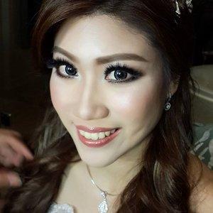 IRENE Night wedding party makeup for @irenewahyuni  Makeup by @shelleymuc  HairDo by @tominjoo  Gown by @meedjin  #makeup #beauty #shelleymuc #surabaya #makeupartist #mua #shelleymakeupcreation #beforeafter #clozetteID #makeover #muasurabaya #muaindonesia #hairdo #soft #softmakeup #beautifulgirl #softsmokey #smokey #wedding #weddingmakeup #bridal #bridalmakeup #bride #Bali #surabayamua #theedgebali #beautifulbride #baliwedding #balibride #wisnuireneakhirnyakawin