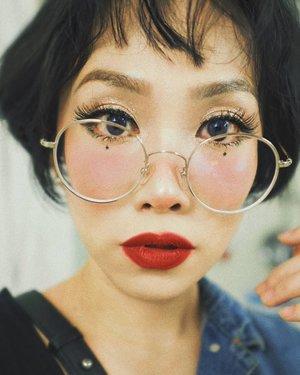 16mm lens vs phone camera ps: i love my mushroom hair (haircut by @andyomego 😊) • • • • • • #clozetteid #beatthatface #indobeautygram #makeuplook #glamvids #makeupfanatic1 #dailymakeup #instamakeup #wakeupandmakeup #tampilcantik #indobeautygram #beautybloggerindonesia #beautybloggers #ivgbeauty #makeuptalk #powerofmakeup #ビューティー #春メイク #화장품 #메이크업 #コスメ #メイク動画 #アイメイク #プチプラ #메이크업 #인스타뷰티 #beautyvlogger #luxurybeauty #ragamkecantikan #instahair