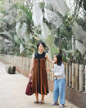 She's almost as tall as me! #motherdaughter • • • • • • • • • • #clozetteid #dearestviewfinder #beautifulmatters #ootdindo #darlingdaily #instastyle #stylista #justgoshoot #outfitinspo #outfitoftheday #whatiwore #darlingescapes #mommyhood #vsco #myunicornlife #momstyle #mommyblogger #momfashion #theheartcaptured #finditliveit #thehappynow #todayimwearing #fashionpost #styleoftheday #wheretofindme #ファッション #스타일 #コーデ #littlestoriesofmylife