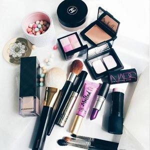 Drip drip drip as much as the rain drops, I think of you.. 🐱 🐱🐱 🐱🐱🐱 🐱🐱🐱🐱 🐱🐱🐱🐱🐱 🐱🐱🐱🐱🐱🐱 🐱🐱🐱🐱🐱🐱🐱 🐱🐱🐱🐱🐱🐱🐱🐱 #clozetteid #clozette #fdbeauty #fotd #motd #makeupoftheday #makeup #makeupofinstagram #makeuptalk #makeupmania #makeupporn #makeupaddict #makeupjunkie #makeupcollection #makeupflatlay #makeuplover #makeupheaven #makeuphoarder #makeupobsessed #makeupmess #makeupmadness #beautyblogger #indonesianbeautyblogger #mommyblogger #indobeautygram #thatsdarling #weheartit #hypebeast #achanelshot