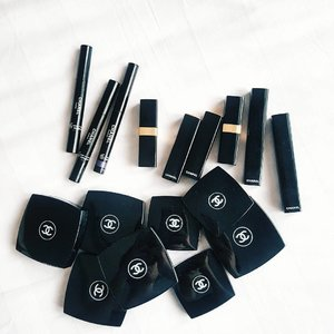 Decision, decision.. 🐱 🐱🐱 🐱🐱🐱 🐱🐱🐱🐱 🐱🐱🐱🐱🐱 🐱🐱🐱🐱🐱🐱 🐱🐱🐱🐱🐱🐱🐱 🐱🐱🐱🐱🐱🐱🐱🐱 #clozetteid #clozette #fdbeauty #fotd #motd #makeupoftheday #makeup #makeupofinstagram #makeuptalk #makeupmania #makeupporn #makeupaddict #makeupjunkie #makeupcollection #makeupflatlay #makeuplover #makeupheaven #makeuphoarder #makeupobsessed #makeupmess #makeupmadness #beautyblogger #indonesianbeautyblogger #makeupindo #indobeautygram #thatsdarling #weheartit #hypebeast #achanelshot